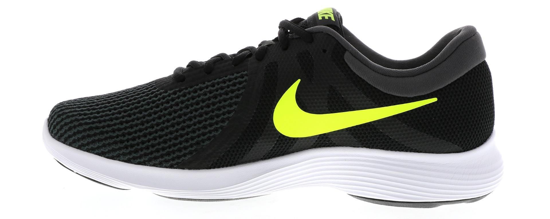 low priced 0f0a4 22439 Men's Nike Revolution 3