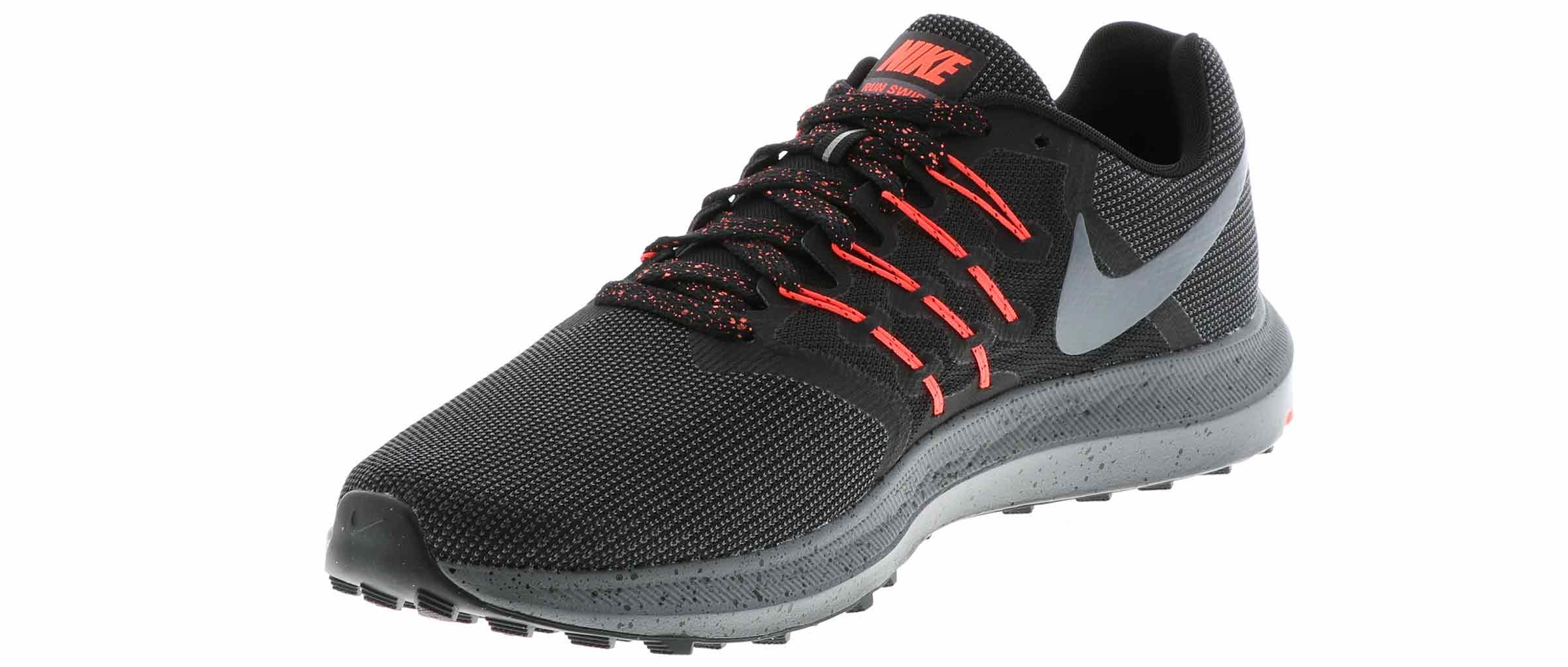 huge discount 55c3f 12656 Men's Nike Run Swift 4E Wide